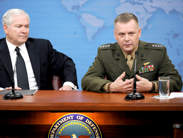 Gen. James Cartwright in 2009, with then-Defense Secretary Robert Gates: National Guard